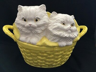 """Vintage White Persian Cats In Basket Covered Ceramic Dish Bowl Cookie Jar 15x10"""""""