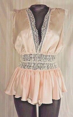 NEW Vintage 50's pink teddy size LARGE USA ruffles lace light Never worn skirted