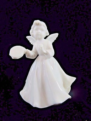 "Vintage White Angel Figurine Turning Music Box ""The First Noel"" -Japan Christmas"