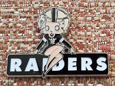 OAKLAND RAIDERS BETTY BOOP Lapel Pin