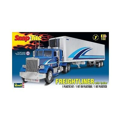 "Revell 1/32 ""Snap Tite"" Freightliner w/ Trailer Kit 95-85-1981 (New)"