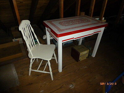 1940's porcelain top table, with 2 matching chairs in VG cond