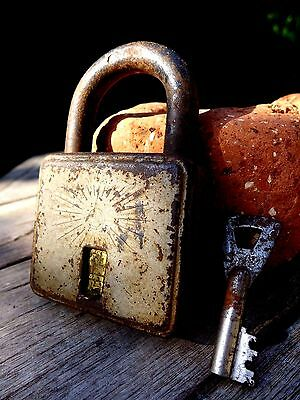 Antique Vintage Padlock with one key working hobby collector rare 25-07