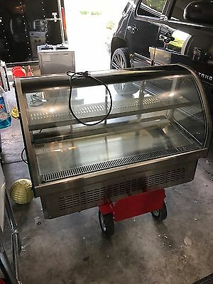 Vollrath RDE7148 Refrigerated display case - 1 year old