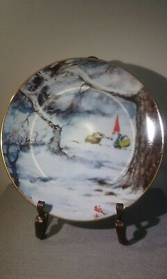 """Legends of the Gnomes Rien Poortvliet Porcelain Plate """"Winter Sharing"""""""