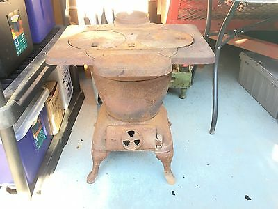 Complete antique cast iron Glascock Stove #98 Carolina model
