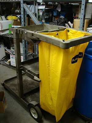 Rubbermaid 6150 janitorial cart good condition