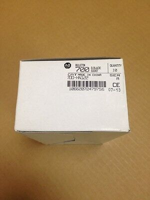 New! Box Of 10 - Allen Bradley 700-HN122 RELAY SOCKET - 8 BLADE