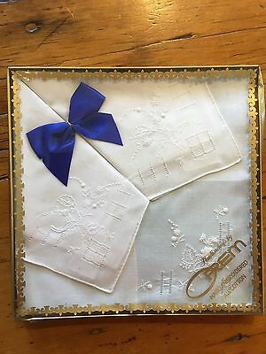Set Vintage boxed embroidered handkerchiefs