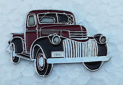 CHEVROLET PICK UP 1941, LAPEL PIN BADGE, 40x27mm. BUTTERFLY PIN FIXING.