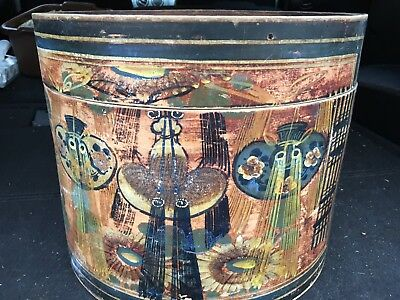 Antique - Chinese Wood Lacquerware Palace Belle Round Marriage Box