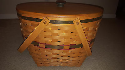 1994 Longaberger Holiday Hostess Green Sleigh Bell Basket with Wooden Lid