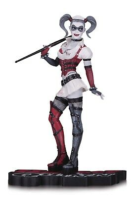 ESL5035. ARKHAM CITY: Harley Quinn STATUE by DC Collectibles (2013)