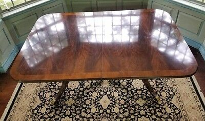 Beautiful Vintage Banded Inlay Mahogany Pedestal Based Dining Table 2 Leaves