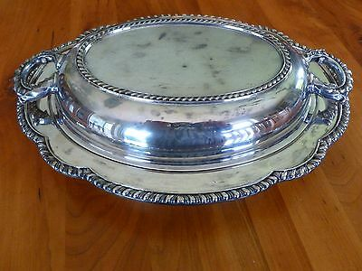 Vintage Wallace Silverplate oval covered serving dish