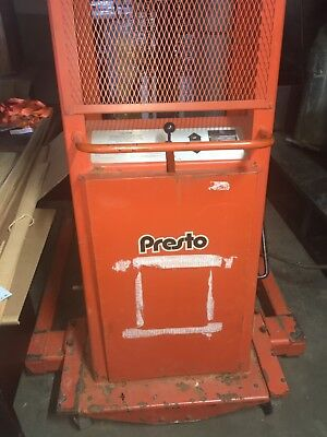 Used Lee Presto BTA8127 Electric Manual Fork Lift SN 104337 used new battery