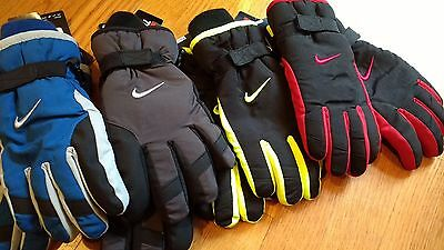 NWT, $28. MSRP, Boys Nike Insulated Waterproof Ski Snow Winter Gloves