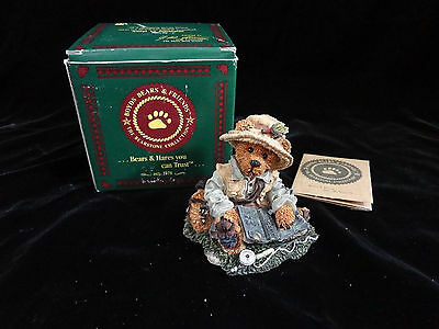 Boyds Bears New in Box 20E/379 Otis the Fisherman #2249-06 Resin Figurine