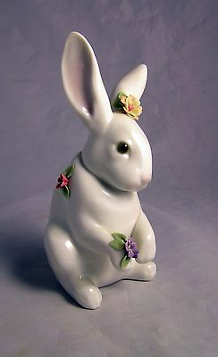 Lladro Sitting Bunny Rabbit With Flowers Figurine #6100 Perfect