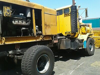 Oshkosh 4x4 gigantic snowblower  low low miles no rust