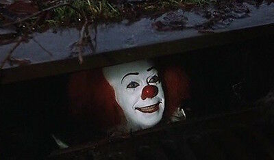 1990 Stephen King's IT Pennywise the Clown in gutter replica magnet - new!