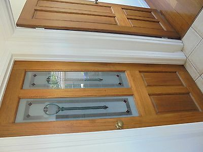 Internal doors - Solid wood - all with hinges and knobs