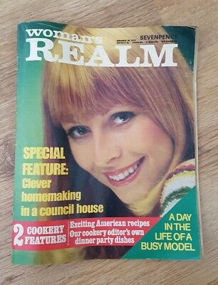 womans realm November 1974