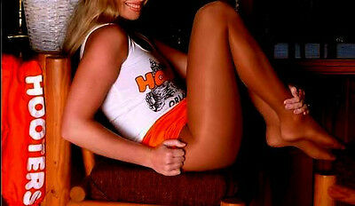 hooters girls in pantyhose