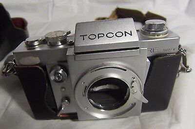 Vintage 35mm Topcon RE AUTO SUPER Film Camera without lens w Carrying Case