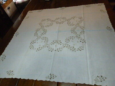 """Vintage Linen Embroidered Cut Work Tablecloth Oak Leaves 48 x 50"""""""