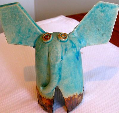 Collectable Retro Pottery  Elephant Figural Ornament  (331)