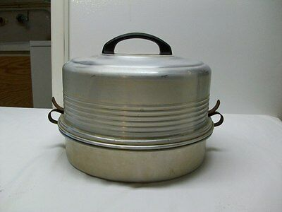 Vintage Regal Ware 3 Piece Aluminum Cake Taker with Working Latches