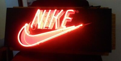 Epic Original Nike Sneaker Neon Insegna Vintage Store Point Of Sale Sign