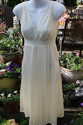 Vintage Wondermaid Nightgown Size 38 Ivory Lace Very Gently Used