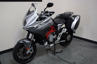 MV Agusta Turismo Veloce 800  2016 MV AGUSTA TURISMO VELOCE 800 / ONLY 2130 MILES / PRICED TO SELL (FIRM)