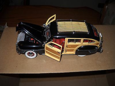 DANBURY MINT*1942 CHRYSLER TOWN & COUNTRY-BLACK with C.O.T.--1/24 SCALE NO BOX