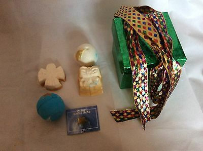 Bnwt Lush Merry Christmas Gift Set Bath Bomb,melt,stars,snow Angel,so White,gold