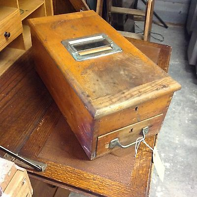 Industrial Vintage wooden shop till, very good condition fully working.