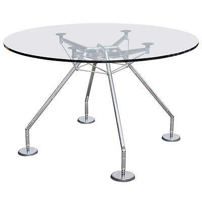 Table Nomos de  Sir Norman Foster