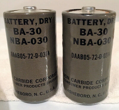 Vintage Wwii Era Ba30 Eveready Batteries