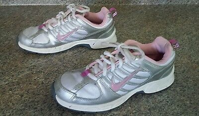 Girls NIKE Tennis Shoes Pink White Gray Size Sz 4 Athletic Running Sneakers
