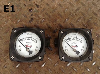 "Dwyer Instruments PTGD-AA02A 2.5"" Pressure Gauge 10PSI/3000PSI 1/4""NPT -Lot of 2"