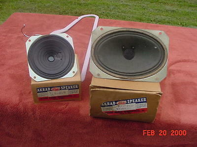 """2 vintage OLSON speakers.  1 measures 4"""" X 4""""  and the other """"4 X 6"""""""