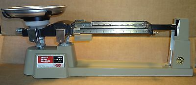 OHAUS Triple Beam Balance Scale 700 series w/check weights stainless steel pan