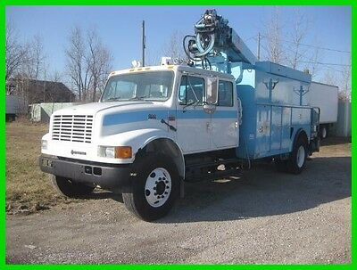 2002 International 4900 2002 INTERNATIONAL 4900 CREW CAB DIGGER DERRICK Used