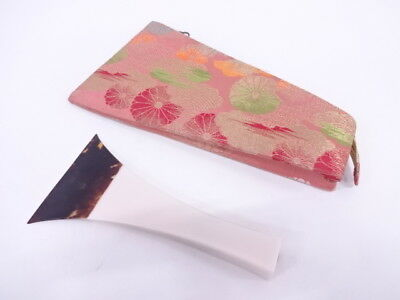 3107363: Japanese Handicrafts / Shamisen Plectrum With Case