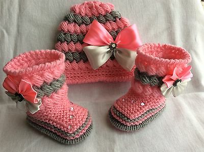 hand knitted  baby bir booties  and hand knitted hat 0-3 months