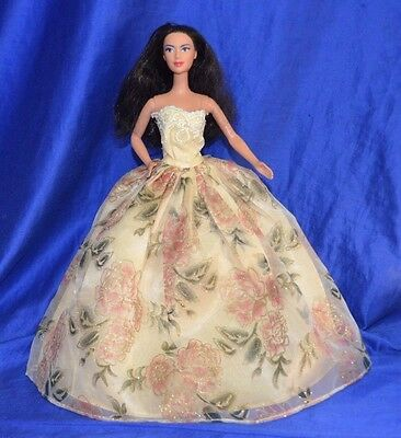 Barbie Doll By Mattel - Indonesia - 2001 -