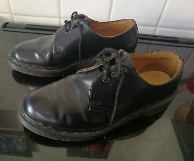 DR MARTENS SHOES SIZE 7uk MADE IN ENGLAND BLACK UNISEX CLASSIC