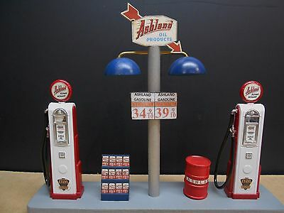 """ Ashland "" Gas Pump Island Display W/gas Price Sign, 1:18Th, Hand Crafted, New"